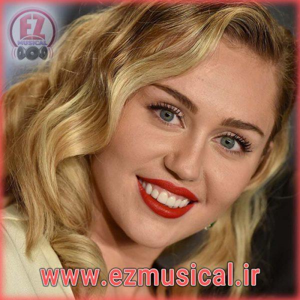 """آهنگ بی کلام """"Wrecking Ball"""" از """"Miley Cyrus"""""""