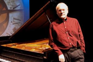 David Nevue 300x201 آهنگ بی کلام پیانو