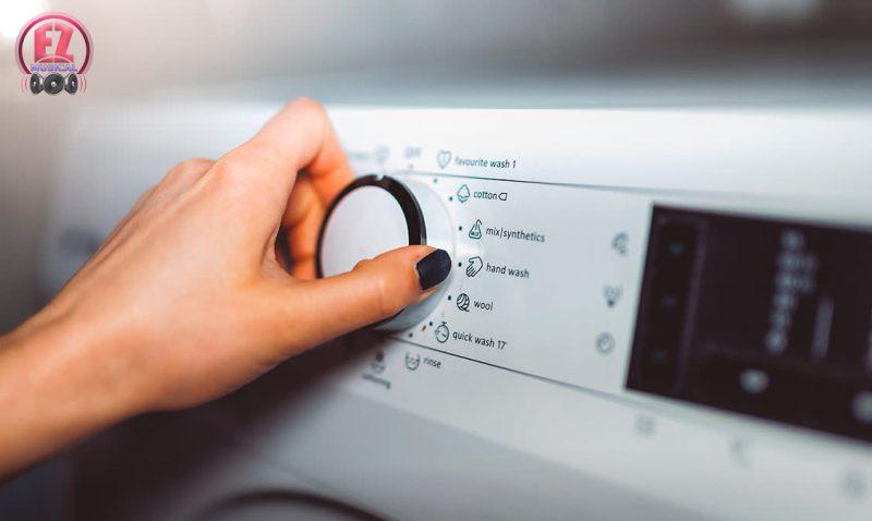 چند فوت و فن برای شستن لباس ها با ماشین لباس شویی که بهتر است آنها را یاد بگیرید