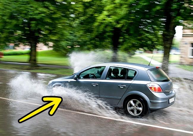 روزهای بارانی چند ترفند کاربردی که به کاهش مصرف بنزین کمک می کنند