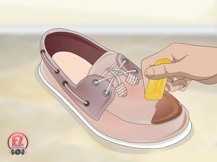 موم روی کفش ساخت کفش ضد آب با موم
