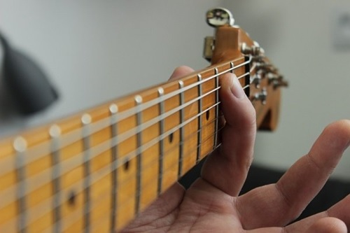 Finger Tips For Guitar 1 نحوه صحیح انگشت گذاری در گیتار