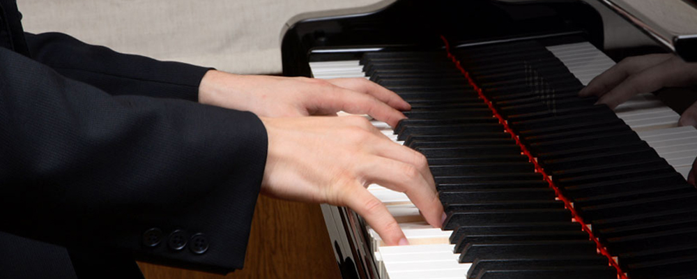 Fingers On Piano ۱۵ نکته در یادگیری پیانو برای افراد مبتدی